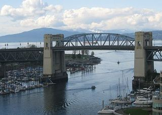 400px-Burrard_Street_Bridge_as_gateway